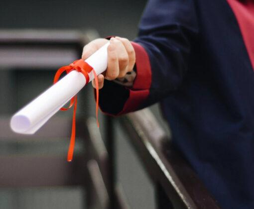 Achtegrondafbeelding voor Een baan vinden zonder diploma? Naswerkt ook voor jou!